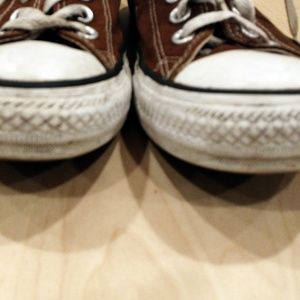 Converse Shoes - Converse chocolate brown low top All Stars M6, W8